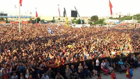 Istanbul. View from onstage w/ #GrupYorum celebrating their 30th anniversary. Sang & clapped along with 80k people. http://t.co/4b9EZ2zFTk