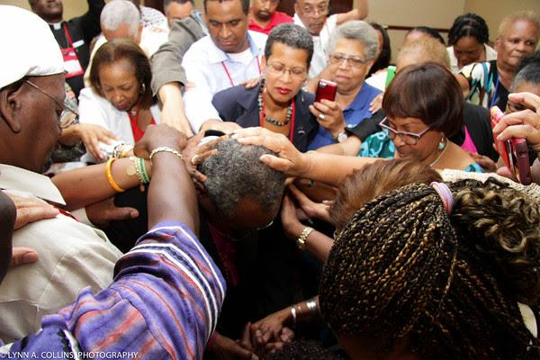 '@UnionofBE members lay hands on Presiding Bishop-elect Michael Curry at  a reception in Salt Lake City #gc78 http://t.co/P9ezi343Q8