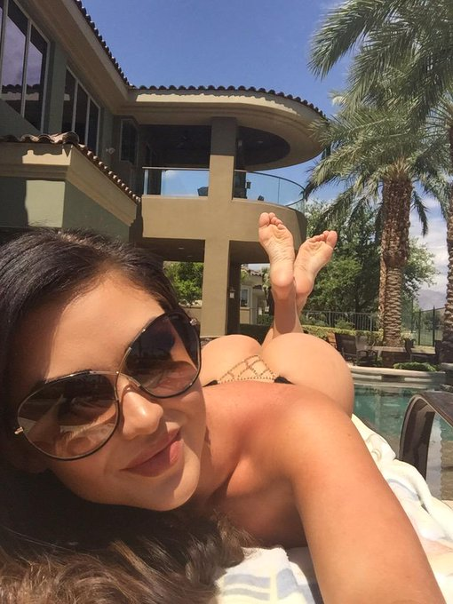 1 pic. Getting some #LasVegas #sunshine & my #tan on in my #thong #bikini #ModelMonday #MotivationMonday