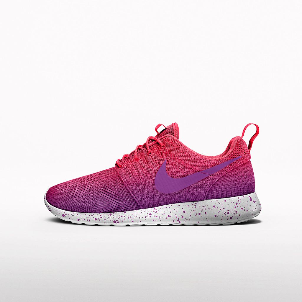 """c2ab06f0f66 """" nikestore  New graphic color options are available on the Nike Roshe One  Jacquard. http   swoo.sh 1IGUg1s pic.twitter.com T2CwBJzry0"""""""