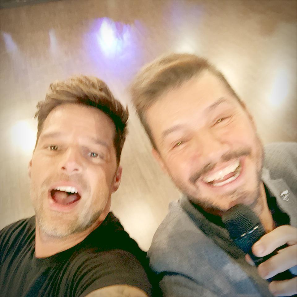 Con mi hermano @cuervotinelli #Showmatch #RickyEnArgentina http://t.co/PX4wHKNVvI