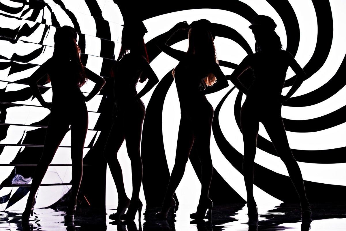 #걸스데이 2집 #링마벨 뮤직비디오 컨셉티저 공개! 실루엣으로 비춰지는 멤버들의 모습이 너무 궁금하네요!! 뮤직비디오는 7월7일 자정(00시)에 공개 되니 많이 기대해주세요^^ http://t.co/mIDodbU6Nf