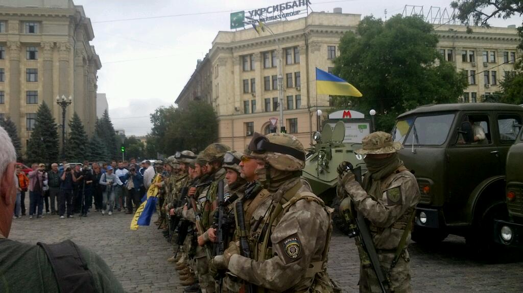 """Боевики наращивают технику в Стаханове и продолжают передислокацию сил. В Донецк переброшена батарея САУ """"Гвоздика"""", - ИС - Цензор.НЕТ 2007"""
