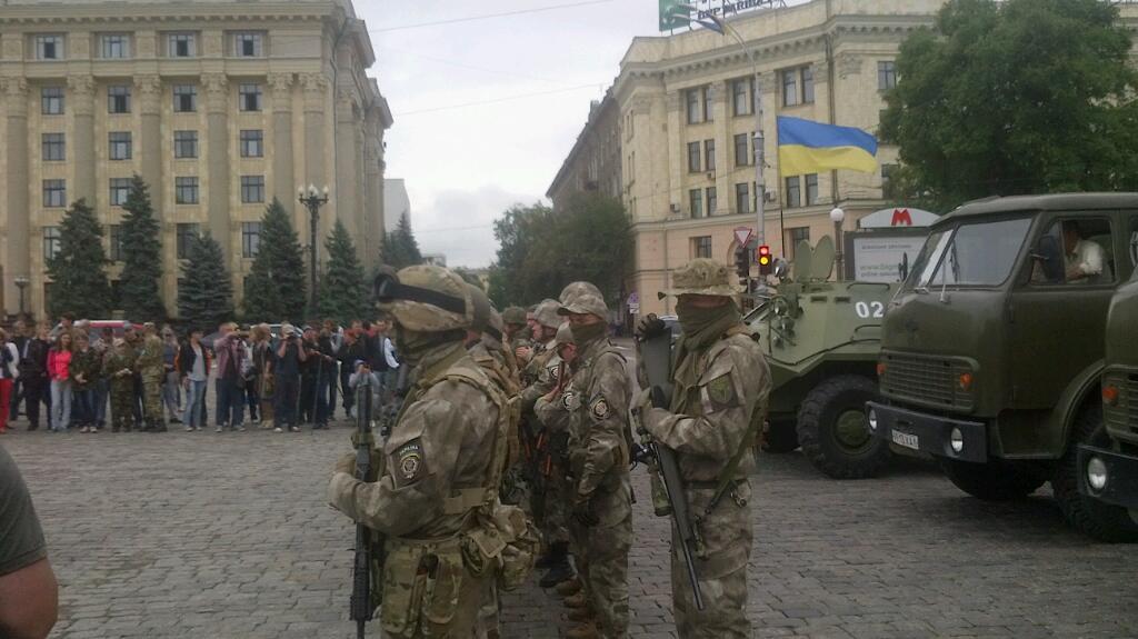 """Боевики наращивают технику в Стаханове и продолжают передислокацию сил. В Донецк переброшена батарея САУ """"Гвоздика"""", - ИС - Цензор.НЕТ 8463"""