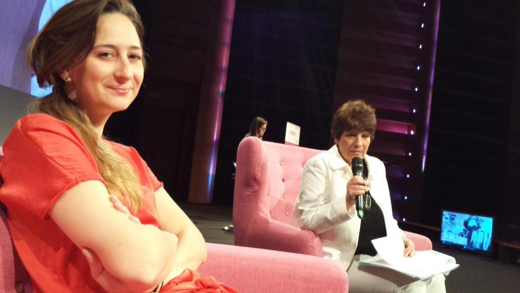 Céline Lazorthes @CelineLz @Leetchiweb Annie @AnnieLichtner #shake15 http://t.co/ryGZ966z4c