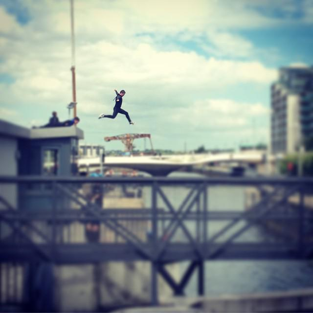 Some people go by the Swallows return, others go by the number of Liffy Roof Jumpers! #FirstSignOfSummer #Dublin #I… http://t.co/aygX6MwlWM