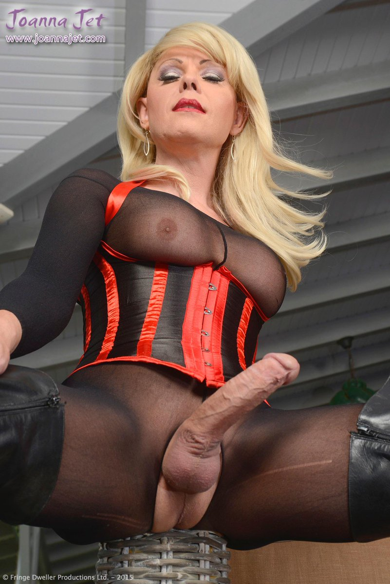 Hd shemales wearing a pantyhose, by popularity