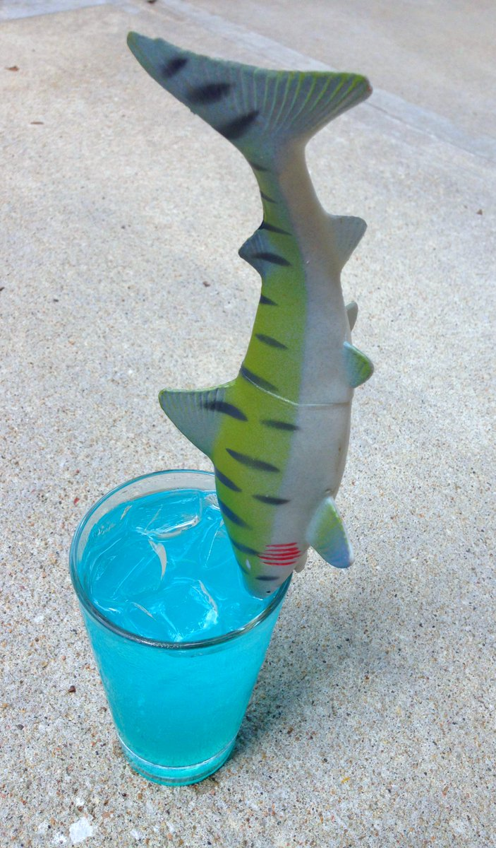 Celebrate Shark Week with our special, super-limited-time #SharkAndAwe cocktail. Hurry! Get one before they're gone. http://t.co/EnZhqOMk6C