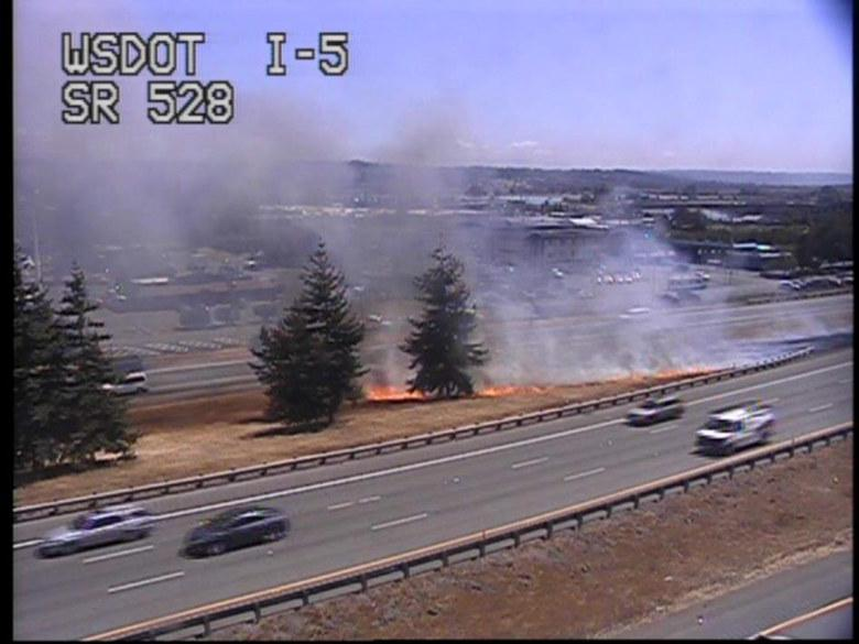 Brush fires near Marysville along I-5 likely arson; back up stretches 6 miles, authorities say http://t.co/ESea1DHniD http://t.co/inAZ3V2TWi