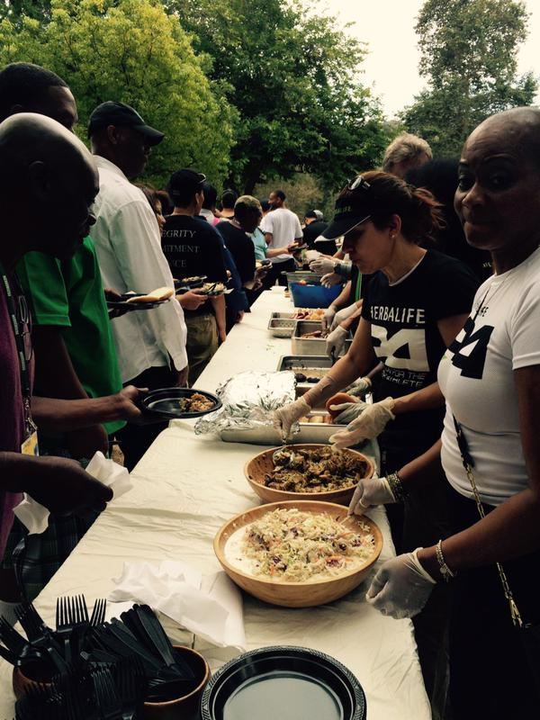 Thanks @Herbalife for serving all the Fathers at Mission for our first annual Father's Day picnic at Griffith park! http://t.co/ORosyvFhId