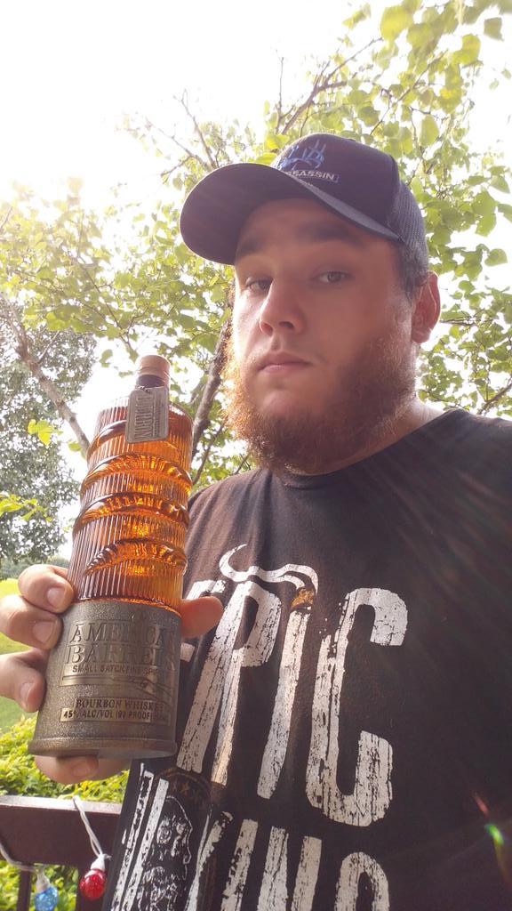 luke combs - photo #5