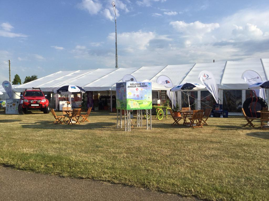 Open for business. Royal Norfolk Show and weather set hot! @AngliaFarmers @FoodFestNorfolk @edgecareers http://t.co/9eTsKYrv1V