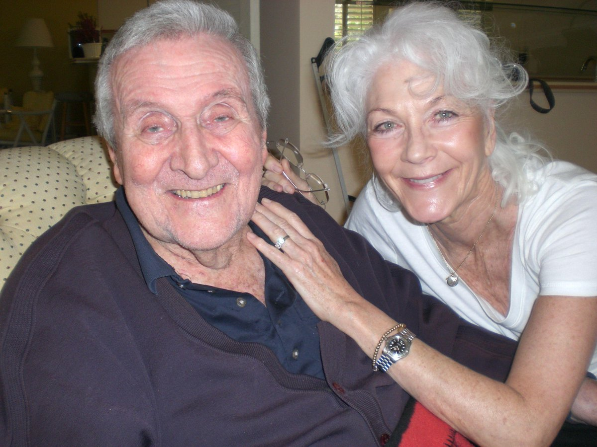 Linda thorson on twitter a favorite pic me visiting patrick linda thorson on twitter a favorite pic me visiting patrick macnee at his lovely home in rancho mirage now a more precious memory than ever thecheapjerseys Images