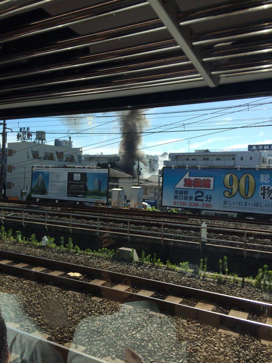 新大久保駅付近の爆発直後、山手線から画像です pic.twitter.com/Jn299lpLfN