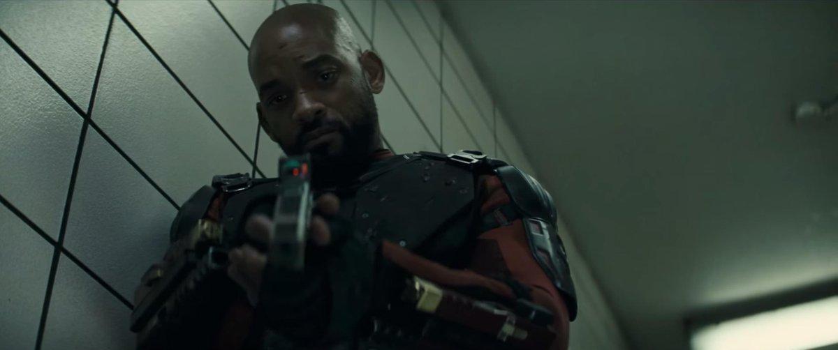 DCコミック悪のヒーロー集合映画「Suicide Squad」が待望の予告編を公開。正義には、悪の側面がある。極悪な犯罪者たちが世界を救う。バットマンの姿もちらり。来年8月5日全米公開。