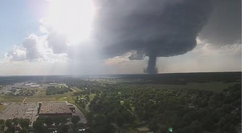 Scott Fisher Says: holy smokes. This tornado in Kansas today was captured with a drone. http://t.co/nuIoGRmbPF