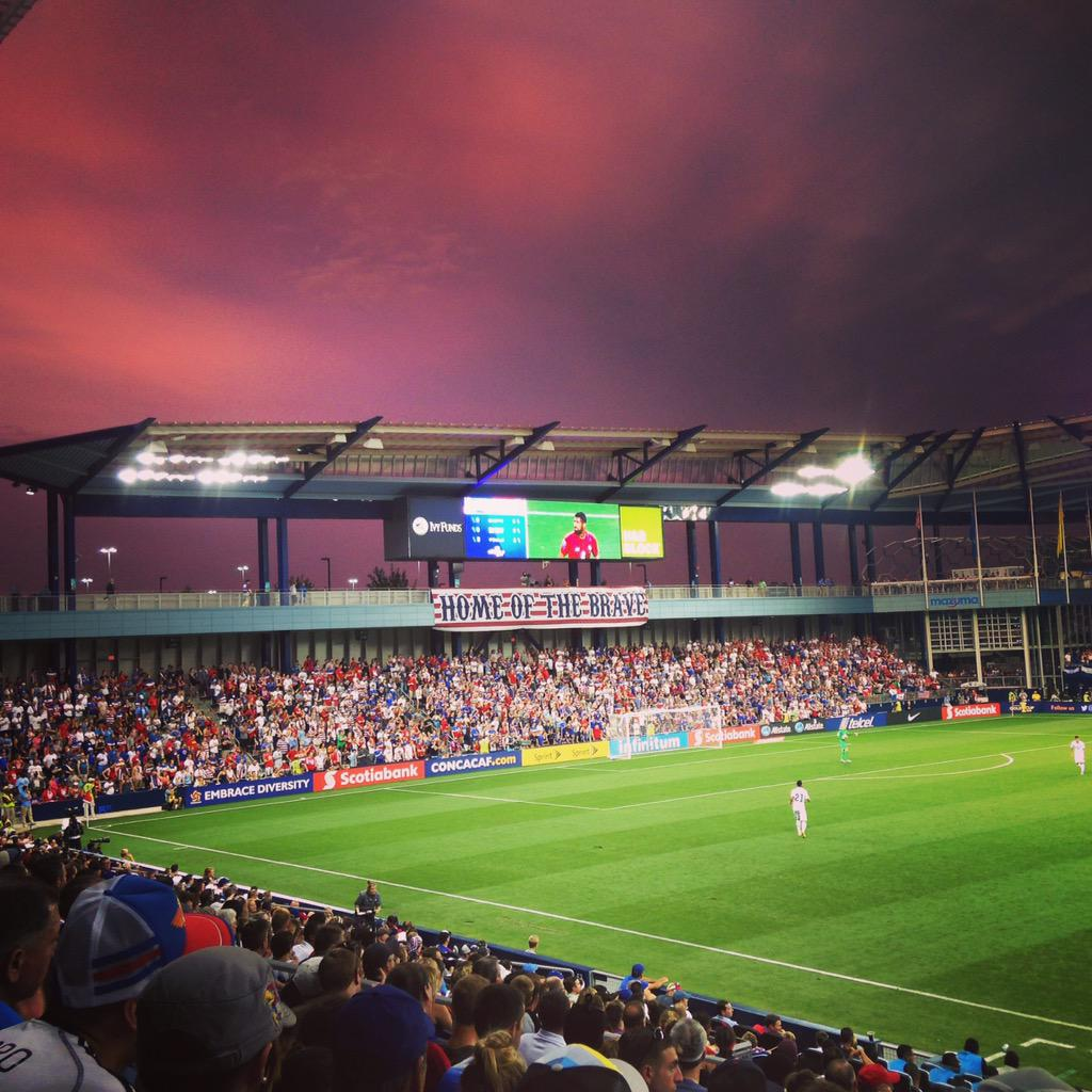 Thanks #USMNT and @AOKCdoesnotstop for a beautiful night @SportingPark, the Home of the Brave.  #PANvUSA http://t.co/2ez64Hoqow