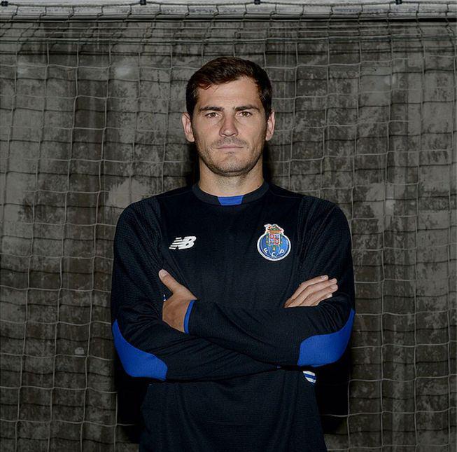 Iker Casillas VS Benfica