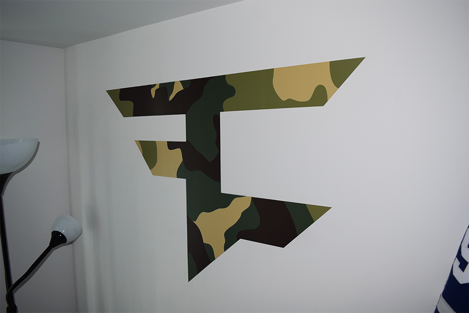 Faze Nikan On Twitter My New Faze Wall Decal Looks Sick Httpt