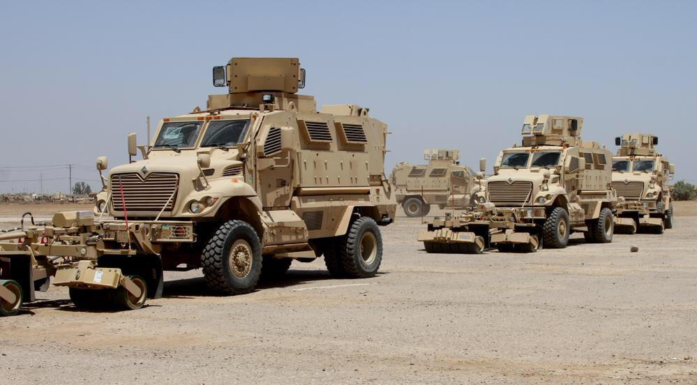 العراق يستلم 30 عربه MRAP نوع MaxxPro CJ4i5DWWcAAOKjK