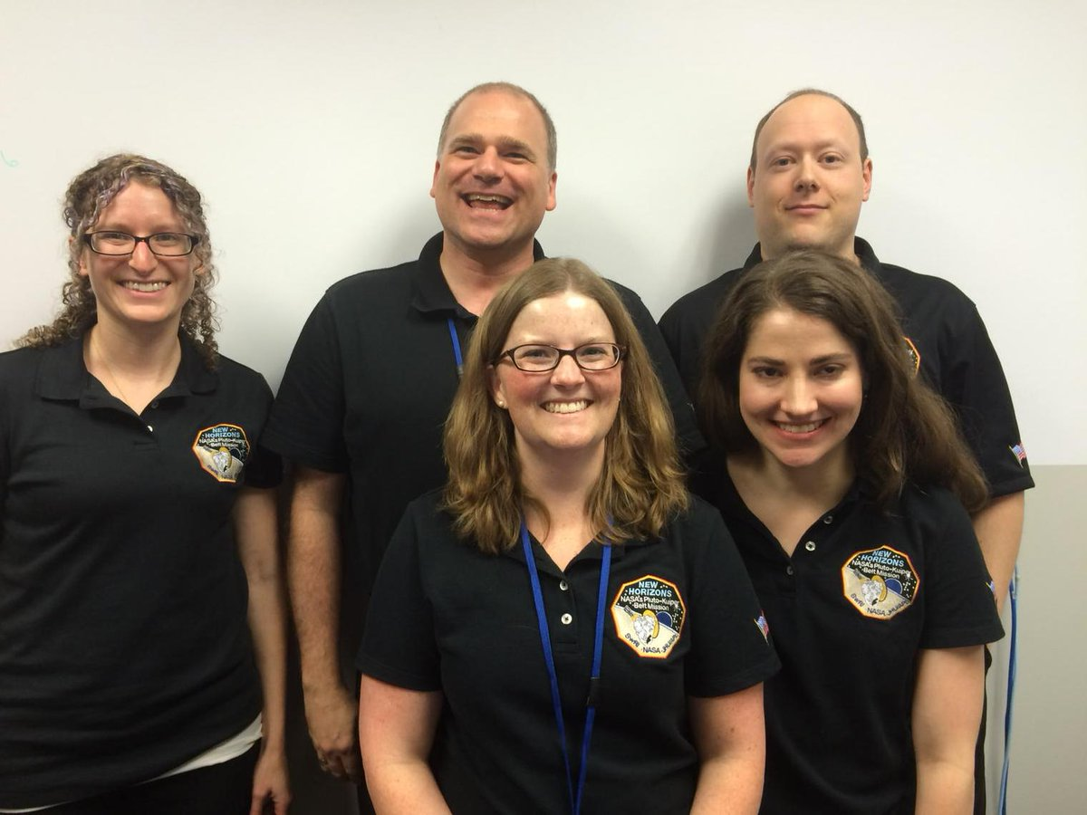 Members of the @NASANewHorizons science team are ready to take your questions in a @Reddit_AMA now. http://t.co/3S71BRHW2C