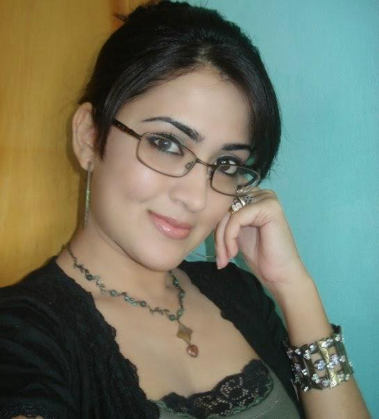 Adult photo sharing