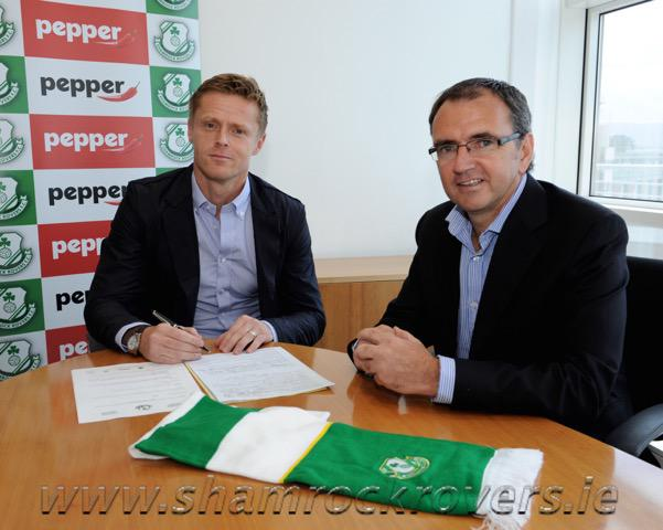 Welcome to Ireland's No.1 Damien Duff http://t.co/BqMLYzLQX0 http://t.co/nBW0cJP4XM