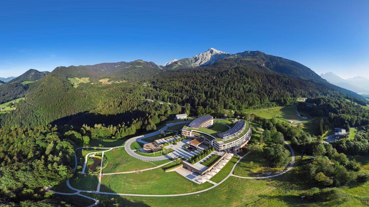 Auf geht´s ins @Kempinski #Berchtesgaden - wir freuen uns auf ein paar spannende Tage. Folgt uns ab Donnerstag http://t.co/Mj9aYM7kZJ