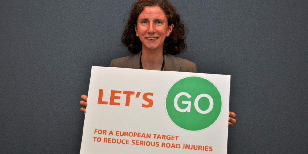 Great to have your support @anneliesedodds MEP #LetsGo for an EU serious injury target http://t.co/BcYy7IdFYy http://t.co/sjK1SMNTKq
