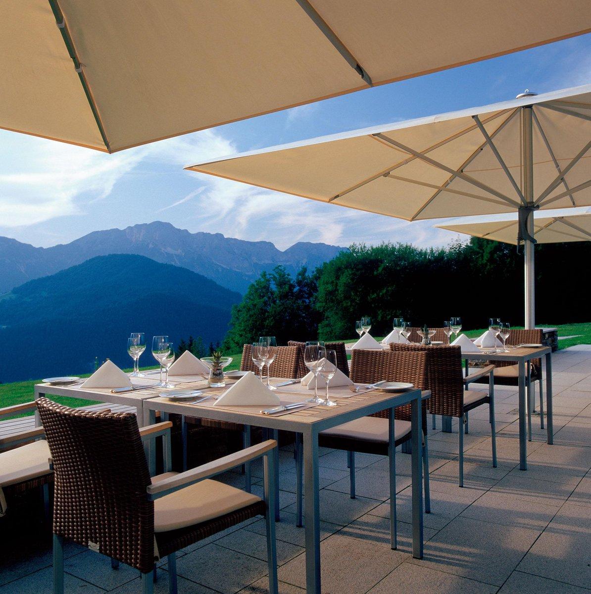 Morgen schon bei bestem Wetter auf d. Terrasse im @Kempinski #Berchtesgaden - wir freuen uns! http://t.co/eFBuiwlhm9