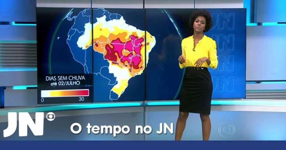 #SomosTodosMajuCoutinho: Equipe do 'Jornal Nacional' grava vídeo em apoio à jornalista. http://t.co/KPnb9Ejyz3