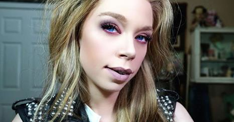 We delve into the weird wonderful world of vlogging with with Bunny Meyer aka @grav3yardgirl: http://t.co/3TtcDn6e6R http://t.co/ufv5Y5oNgH