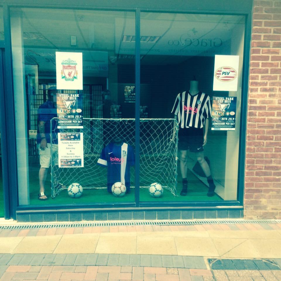 RT @corbytownfc: The first glimpse of our new home and away kits for 2015/16 in the window of our shop in Corby Town Centre http://t.co/vZt…