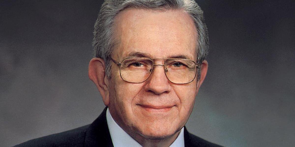 President Boyd K. Packer Dies At Age 90 http://t.co/eam9M9Pru5 #PresPacker http://t.co/HF6UI0ZViA