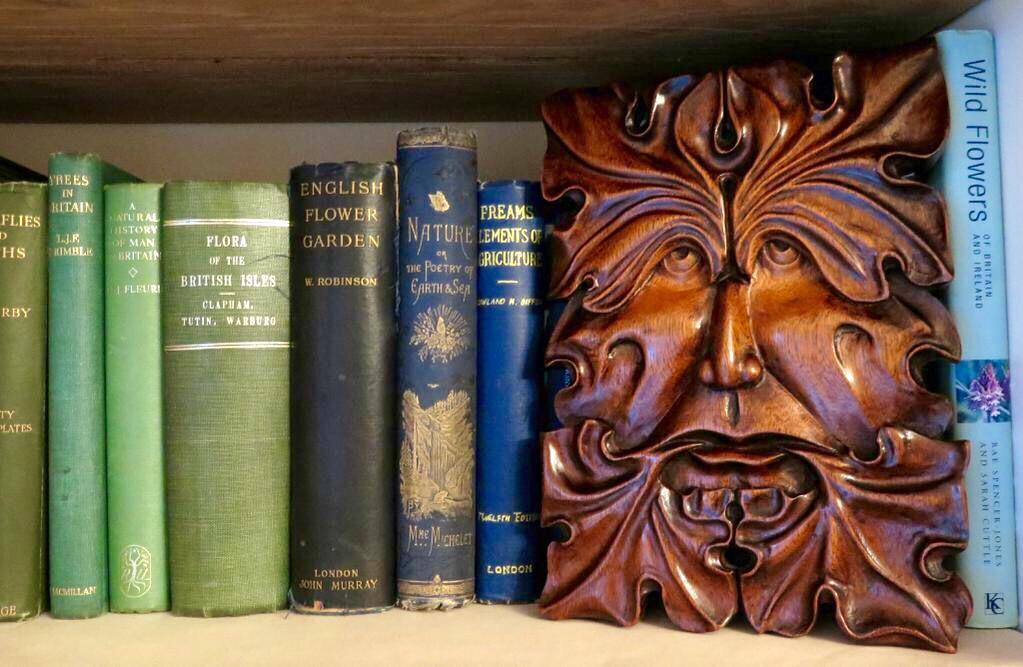 Techeneek Wood Carving - cover