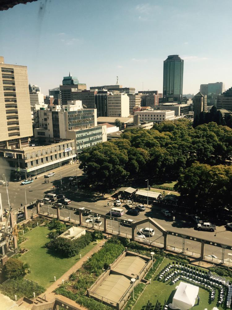 Trista went to Zimbabwe to cash in her Zim  CJDnlOHWoAAoajD