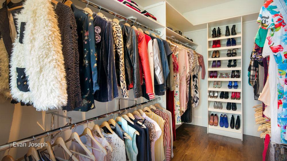 A closet Carrie would envy - Sarah Jessica Parker sells her NYC house for $18.25 million. http://t.co/4n26D1SMU6 http://t.co/rCOmVLkeUM