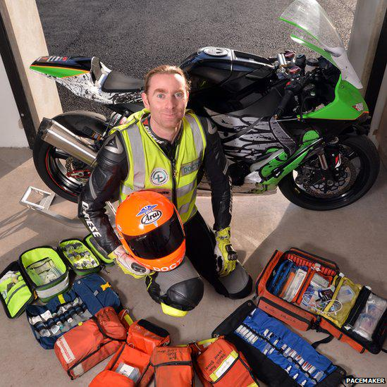 Devastated to hear of the loss of @DocJohnHinds. Now to bring HEMS to Northern Ireland in his memory. RIP legend. http://t.co/CykznjYht1
