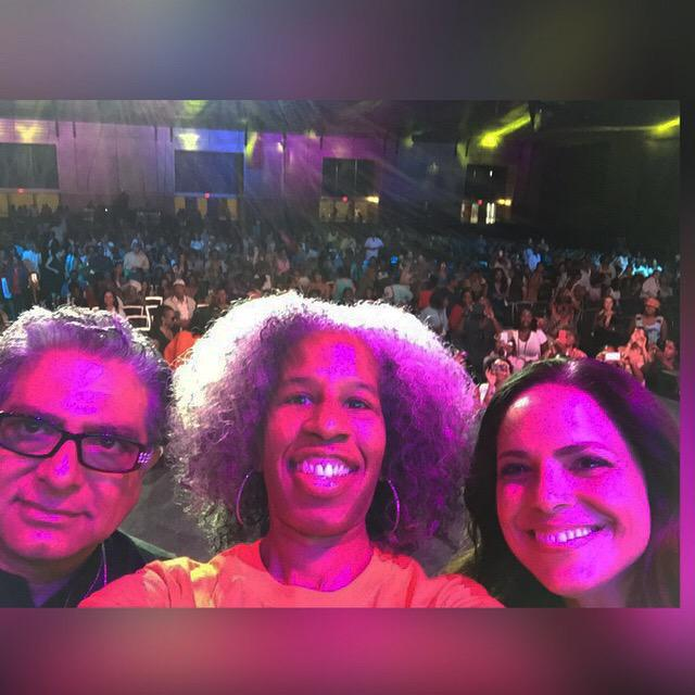 #PeaceIsALIFEStyle we did it #EssenceFest @deepakchopra @SoledadObrien  Thank You @CrystalMcCrary making this happen http://t.co/vth7hMZF1X