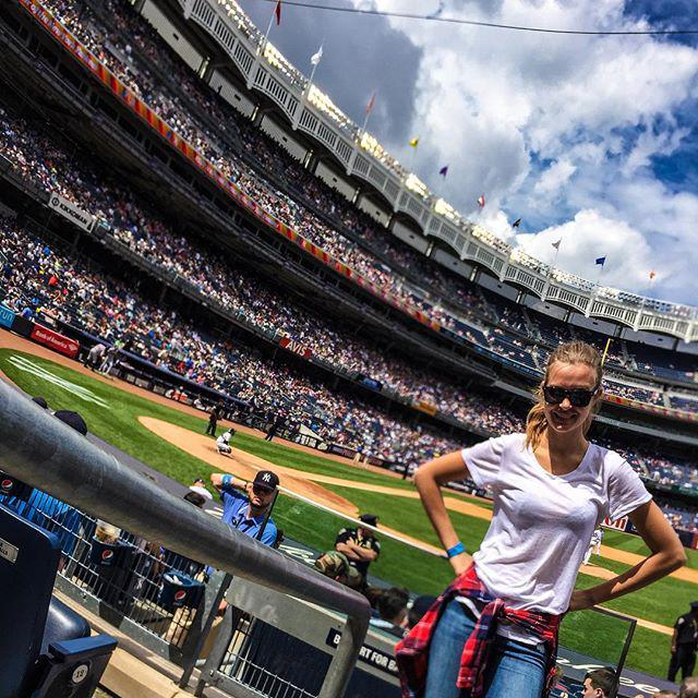 My first baseball game! Feeling real American on this holiday of yours at Yankee stadium! #happy4thOfJuly 🇺🇸⚾️🍺 http://t.co/QPNw09uKZ8