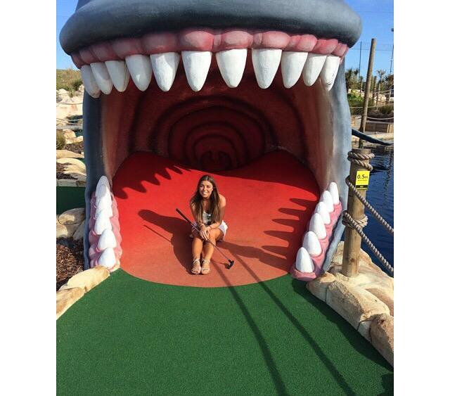 The house stuff all finally coming together 😬😬 lovely day with my boo @Rdav0 had such a laugh at crazy golf ⛳️⛳️😂💁😘 http://t.co/Qr3ZkNt9B5