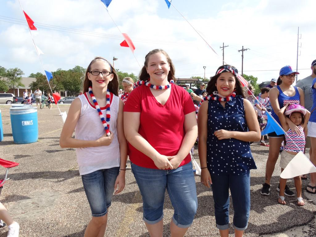 Ennis Hs Lionettes On Twitter Red White And Bike Parade This