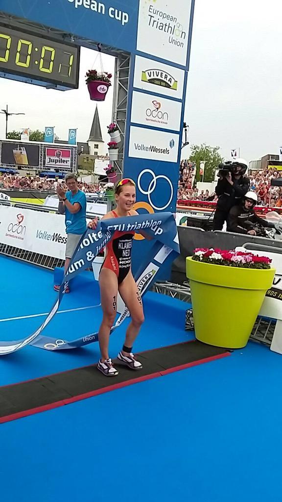 fef5fca82fc85f 'Onze' Rachel Klamer wint de 2015 Holten Triathlon Premium European Cup  #wateenrace #trots #trihopic.twitter.com/48ngN9mFoj