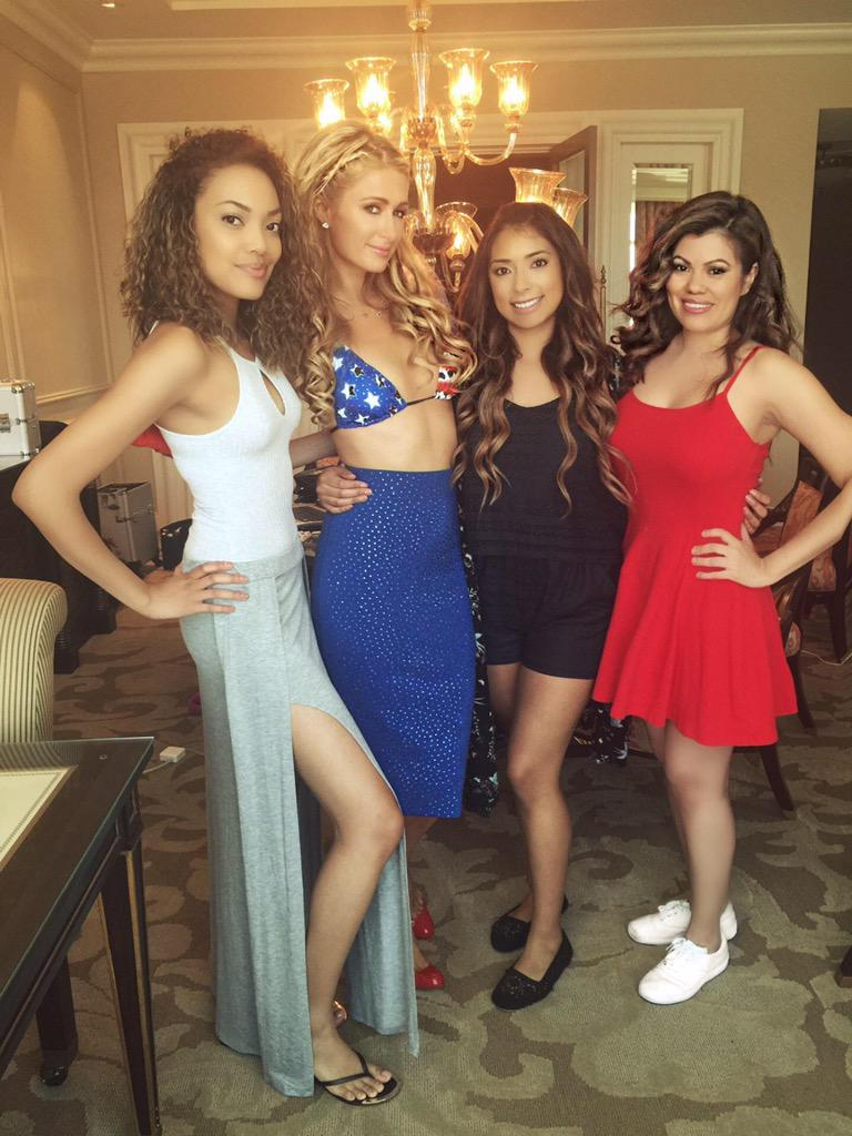Beautiful @ParisHilton & my makeover team Bria, Jackie V &  Maria. http://t.co/XXCwJYpIch