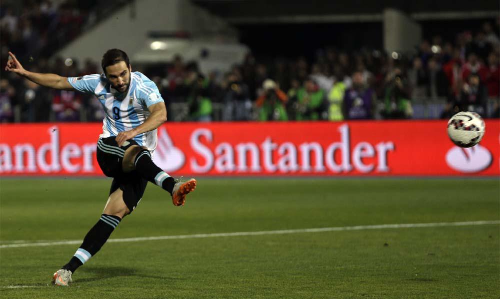 [#EncuestaPopular] Ya enetendimos,  a #Messi lo bancás  ¿Y al Pipa? RT: NO, FAV: Si. http://t.co/Qle81h3sms