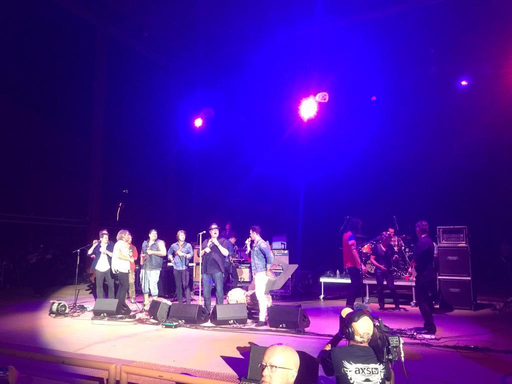 Us .@hansonmusic .@3OH3 .@JCChasez .@RomeMusica .@guster just did #joker into #byebyebye #epic .@RedRocksOnline http://t.co/54vOPnKOlU