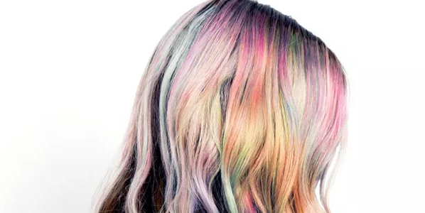 Pearl hair is now a thing—and it's gorgeous: http://t.co/bfVdJSF0jM http://t.co/N2XpQo0Yz6