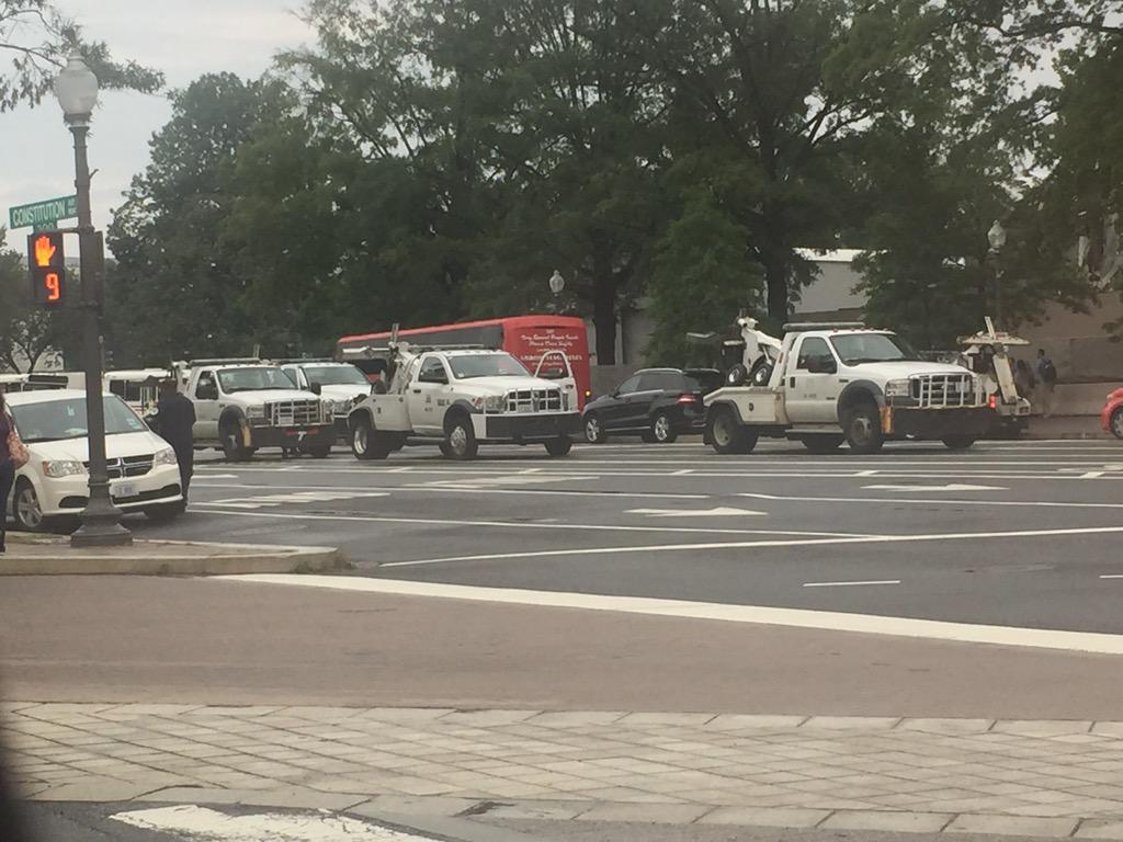 The DC government's towing fleet ready to roll. http://t.co/Xl5hwi6GCj