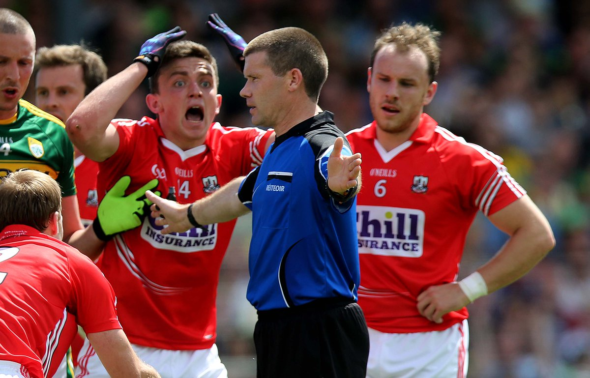 Quick straw poll: RT THIS tweet if you think it WAS NOT a penalty #SundayGame http://t.co/REX1QxkmkC