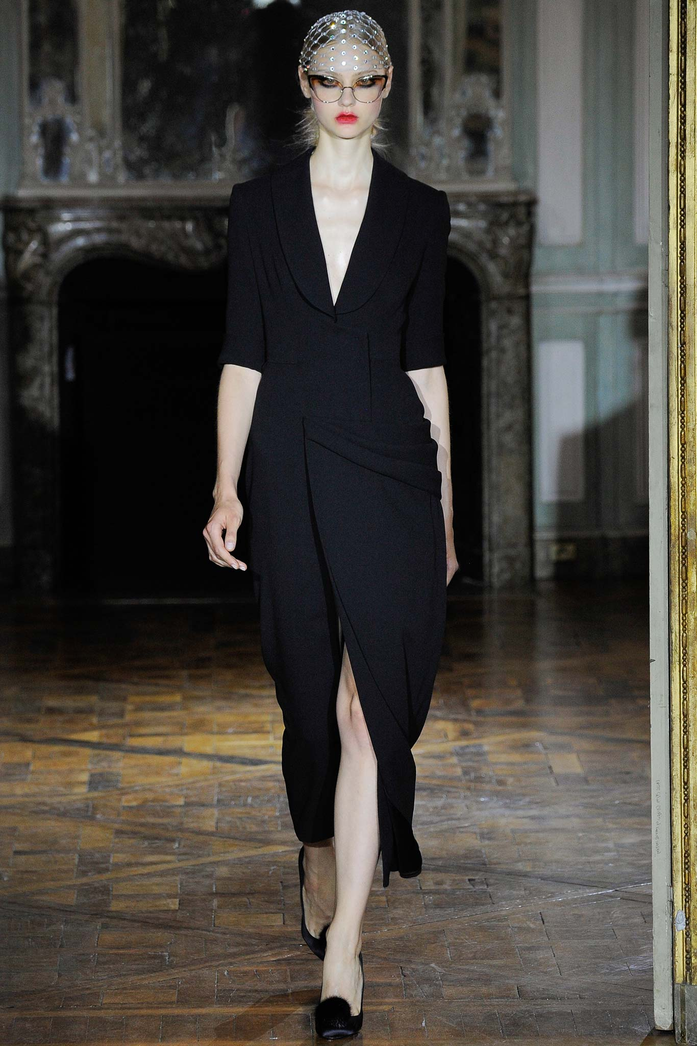 Just in: Complete runway images from Ulyana Sergeenko Fall '15 couture are here: http://t.co/65CU3WvH1S http://t.co/MCRIDr6b3M